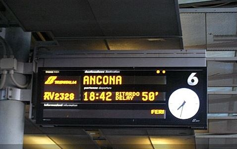 TRATTA ROMA-ANCONA FERMA AGLI ANNI '90 TRA DISAGI E TRENI OBSOLETI. PRESENTATA INTERROGAZIONE