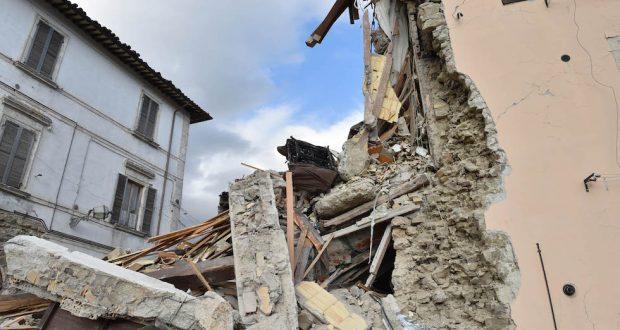 Sisma, il grido dei sindaci sbugiarda il governo e conferma che la ricostruzione non c'è