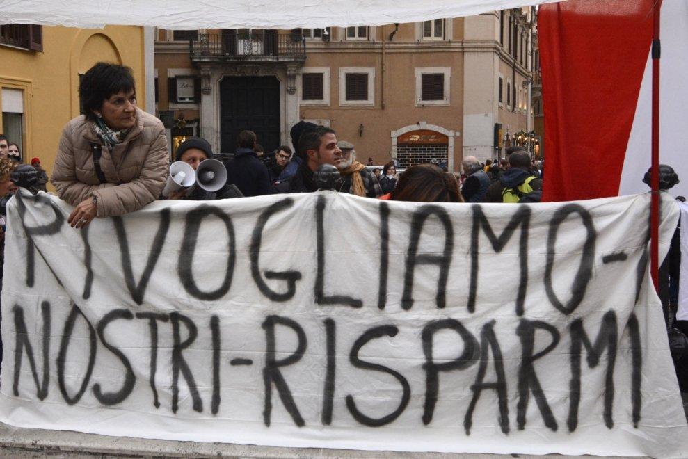 """DI FRONTE AI RISPARMIATORI FRODATI GOVERNO TACE, MA TROVA I SOLDI PER LA """"BANCA DEI CARAIBI"""""""