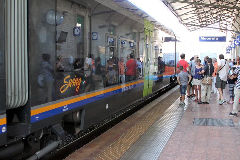 Fabriano-Civitanova: a un anno dall'avvento dei treni Swing, i disagi restano. La lettera di un pendolare